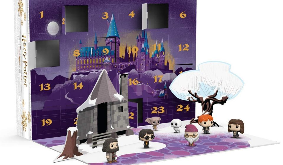 This Harry Potter Advent Calendar Comes With Mini-Figures And Lets You Create Your Own Hogwarts