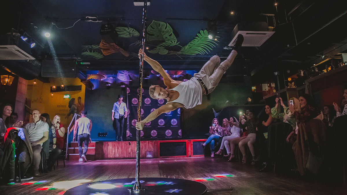 A Cheeky Bottomless Brunch Featuring Male Dancers and Butlers Is Coming To Manchester