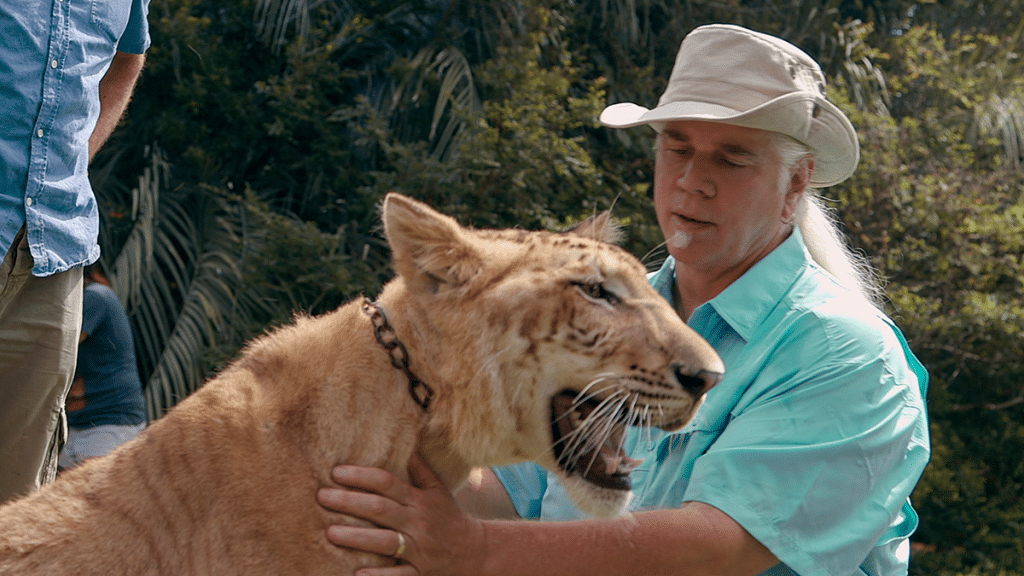 Rob Lowe Transforms Into 'Rob Exotic' For Hilarious 'Tiger King'-Themed Photoshoot